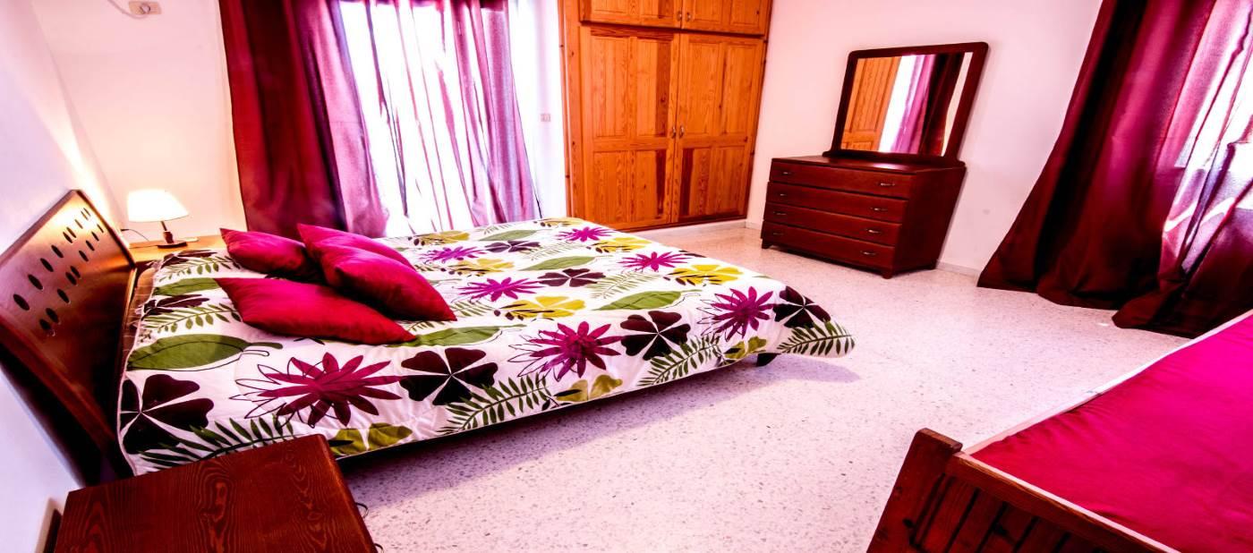 Belle chambre à coucher pour location d'appartement à mahdia en Tunisie