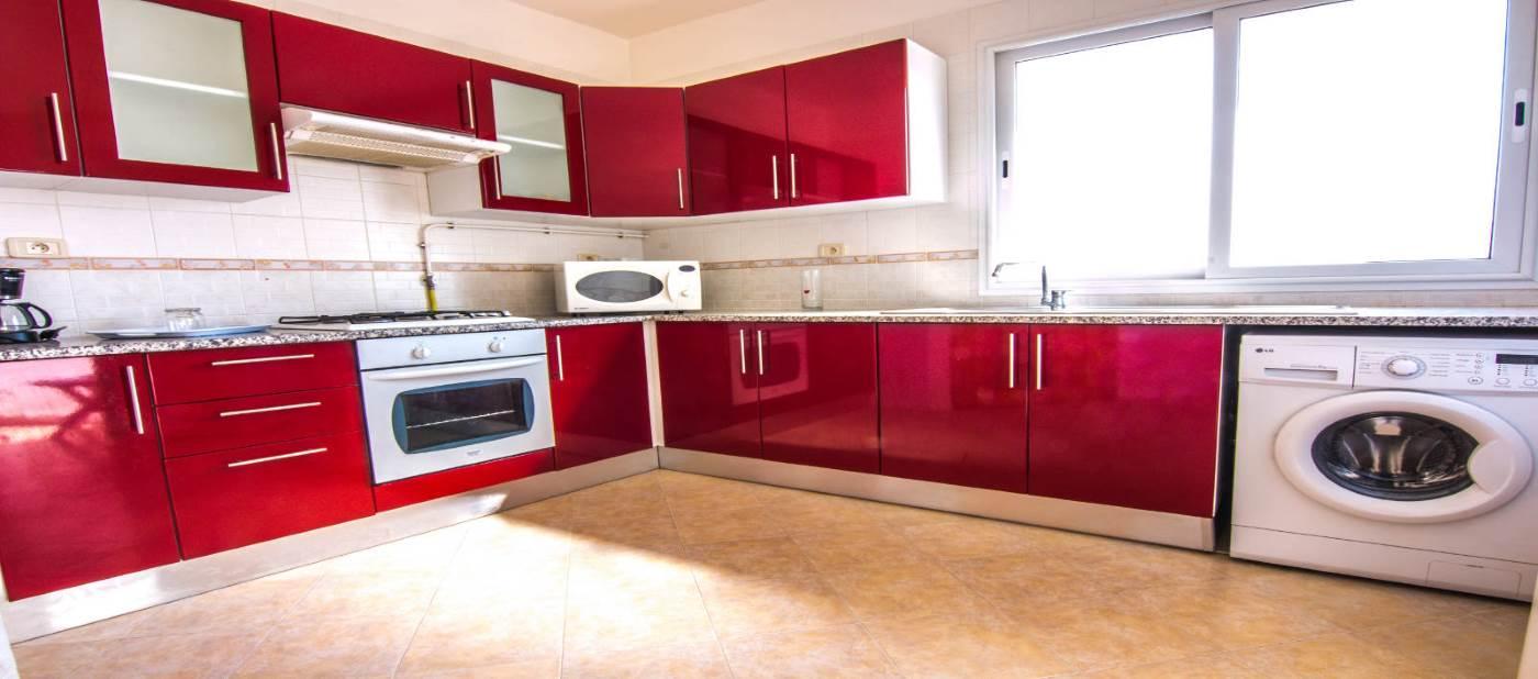 Cuisine moderne pour location d'appartement à mahdia en Tunisie