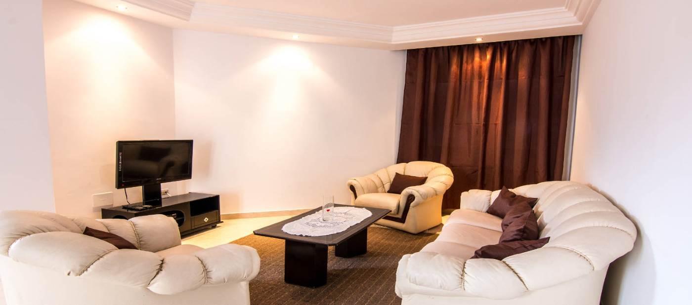 appartement de location vacances à mahdia équipé dans d'un grand salon