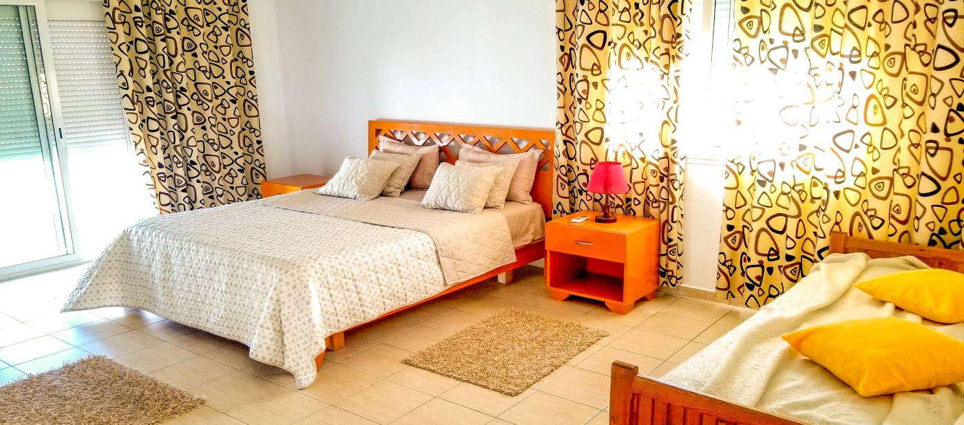 Chambre à coucher avec balcon à Mahdia en Tunisie